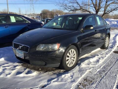 2005 Volvo S40 for sale at Sparkle Auto Sales in Maplewood MN