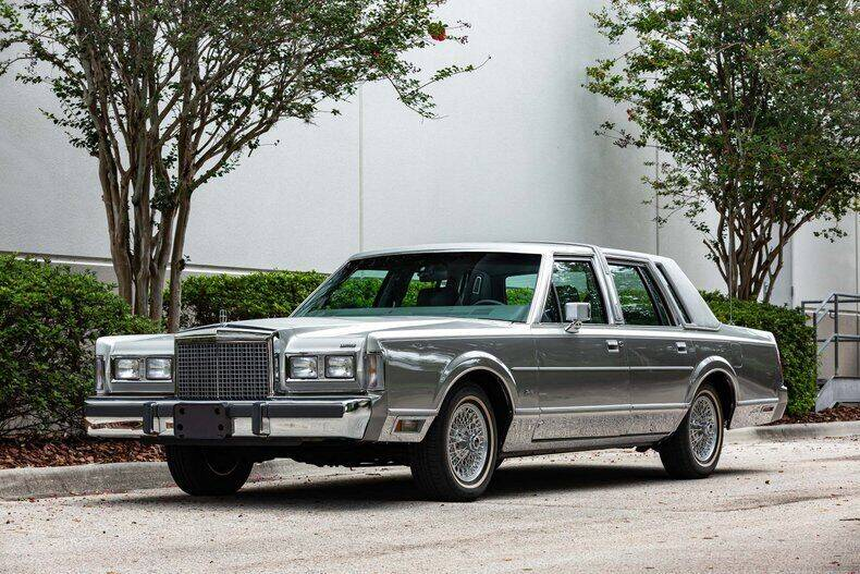 1986 Lincoln Town Car for sale in Orlando, FL