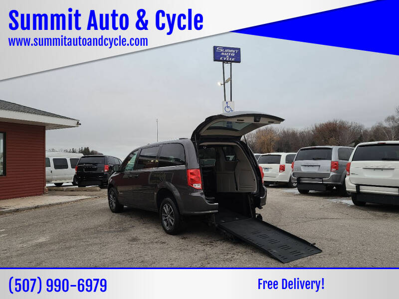 2017 Dodge Grand Caravan for sale at Summit Auto & Cycle in Zumbrota MN