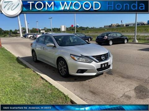 2017 Nissan Altima for sale at Tom Wood Honda in Anderson IN