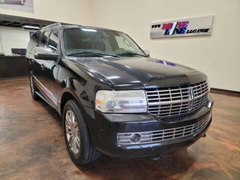 2008 Lincoln Navigator L for sale at Driveline LLC in Jacksonville FL