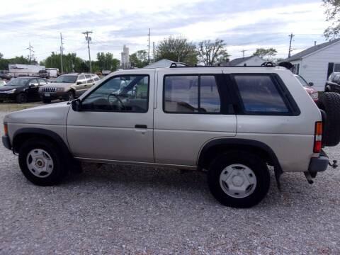 1995 Nissan Pathfinder for sale at VANDALIA AUTO SALES in Vandalia MO