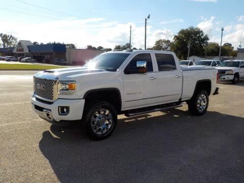 2017 GMC Sierra 2500HD for sale at Young's Motor Company Inc. in Benson NC