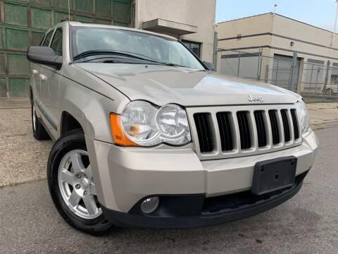 2009 Jeep Grand Cherokee for sale at Illinois Auto Sales in Paterson NJ