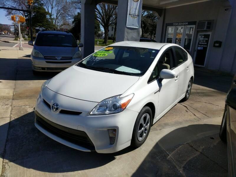 2012 Toyota Prius for sale at ROBINSON AUTO BROKERS in Dallas NC