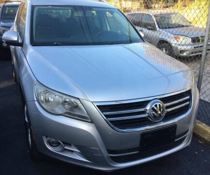 2013 Volkswagen Tiguan for sale at Carzready in San Antonio TX