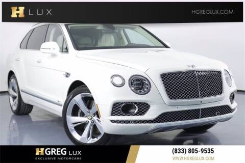 2020 Bentley Bentayga for sale at HGREG LUX EXCLUSIVE MOTORCARS in Pompano Beach FL