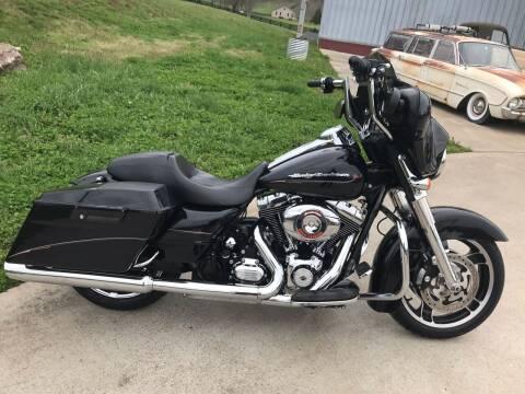 2013 Harley-Davidson FLHX for sale at HIGHWAY 12 MOTORSPORTS in Nashville TN