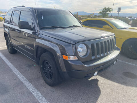 2015 Jeep Patriot for sale at BELOW BOOK AUTO SALES in Idaho Falls ID