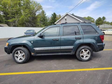 2005 Jeep Grand Cherokee for sale at Hilltop Auto in Clare MI