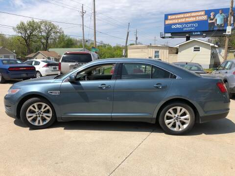 2010 Ford Taurus for sale at Zacatecas Motors Corp in Des Moines IA