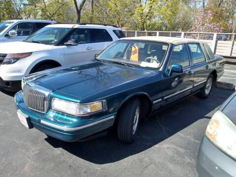 1997 Lincoln Town Car for sale at Deals on Wheels in Oshkosh WI