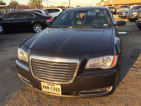2014 Chrysler 300 for sale at BSA Used Cars in Pasadena TX