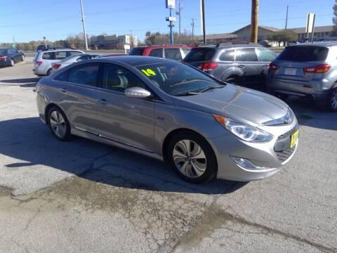 2014 Hyundai Sonata Hybrid for sale at Regency Motors Inc in Davenport IA