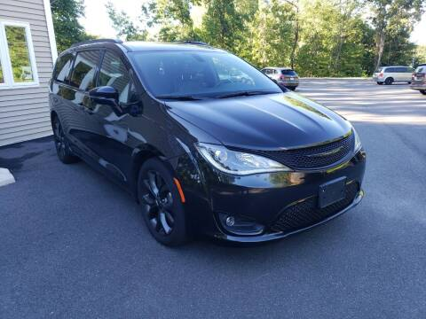 2018 Chrysler Pacifica for sale at KLC AUTO SALES in Agawam MA