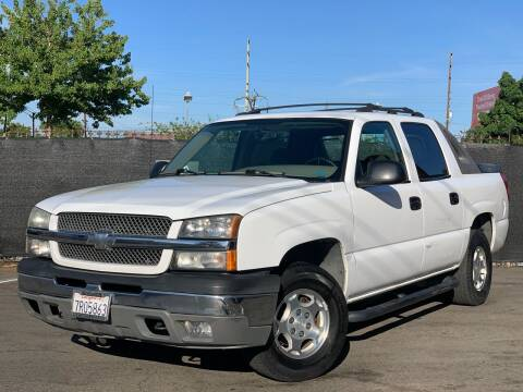 2004 Chevrolet Avalanche for sale at AutoAffari LLC in Sacramento CA