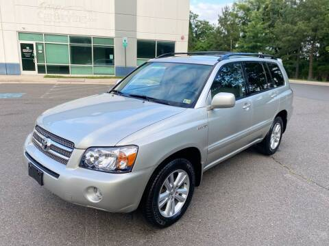 2006 Toyota Highlander Hybrid for sale at Super Bee Auto in Chantilly VA
