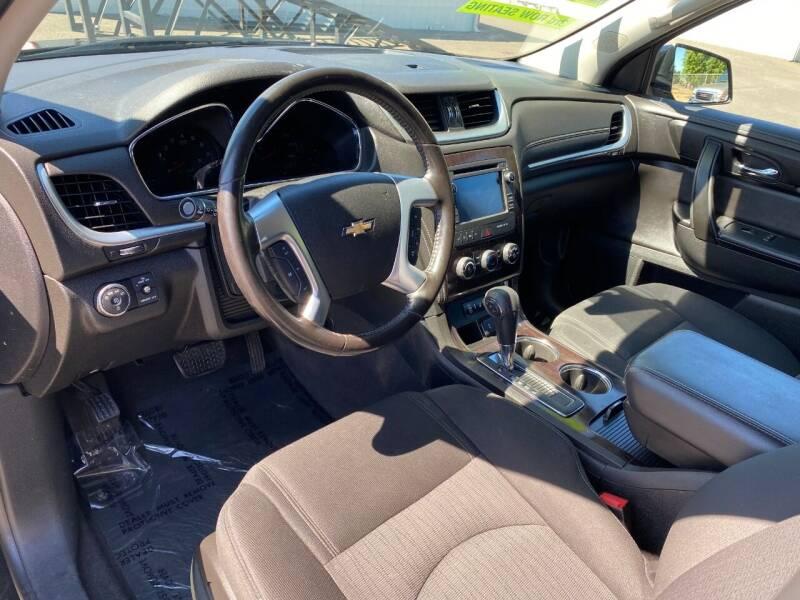 2017 Chevrolet Traverse AWD LT 4dr SUV w/1LT - Woodburn OR