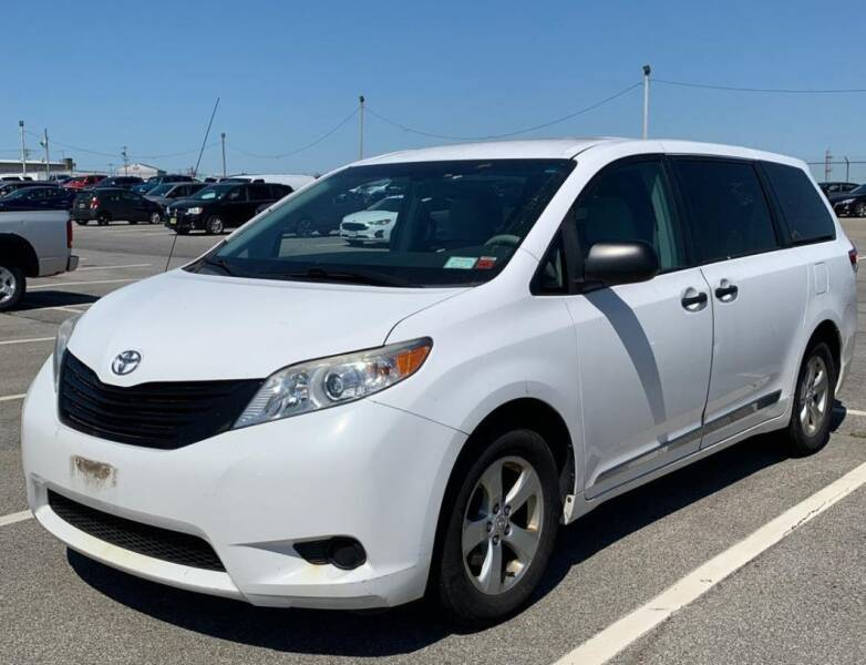 2011 Toyota Sienna for sale at The Bengal Auto Sales LLC in Hamtramck MI