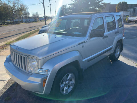 2011 Jeep Liberty for sale at LEE AUTO SALES & SERVICE INC in Valdosta GA