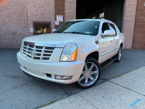 2007 Cadillac Escalade EXT for sale at JMAC IMPORT AND EXPORT STORAGE WAREHOUSE in Bloomfield NJ