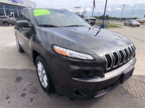 2017 Jeep Cherokee for sale at Show Me Auto Mall in Harrisonville MO