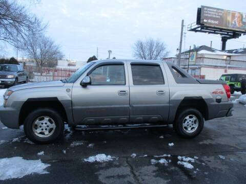 2002 Chevrolet Avalanche for sale at KEY USED CARS LTD in Crystal Lake IL