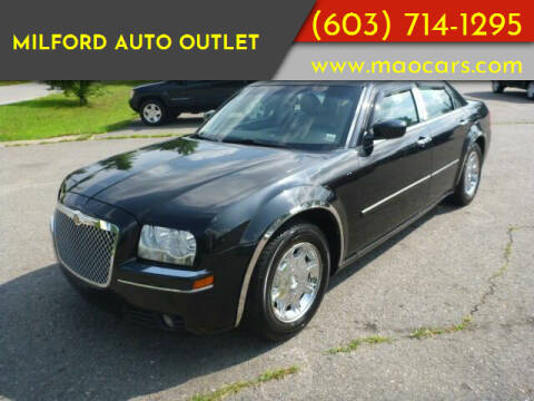 2006 Chrysler 300 for sale at Milford Auto Outlet in Milford NH