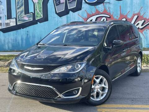 2017 Chrysler Pacifica for sale at Palermo Motors in Hollywood FL