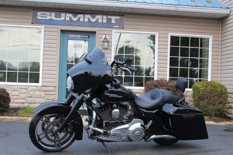 2016 HARLEY DAVIDSON STREET GLIDE for sale at Summit Motorcars in Wooster OH