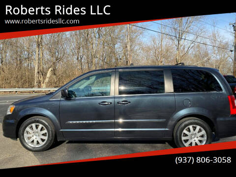 2014 Chrysler Town and Country for sale at Roberts Rides LLC in Franklin OH