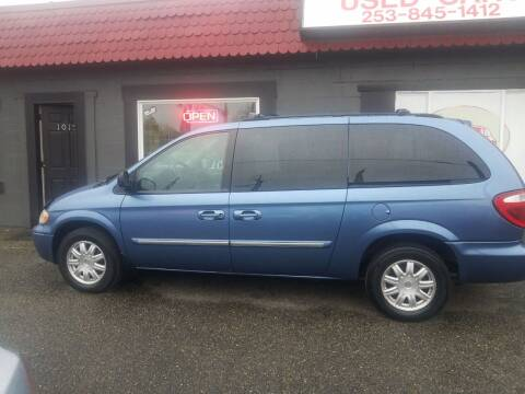 2007 Chrysler Town and Country for sale at Bonney Lake Used Cars in Puyallup WA