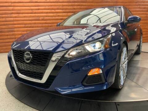 2020 Nissan Altima for sale at Dixie Imports in Fairfield OH