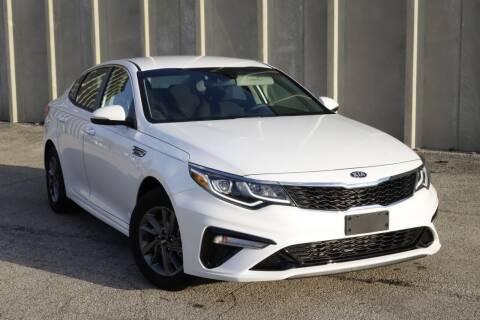 2020 Kia Optima for sale at Albo Auto in Palatine IL