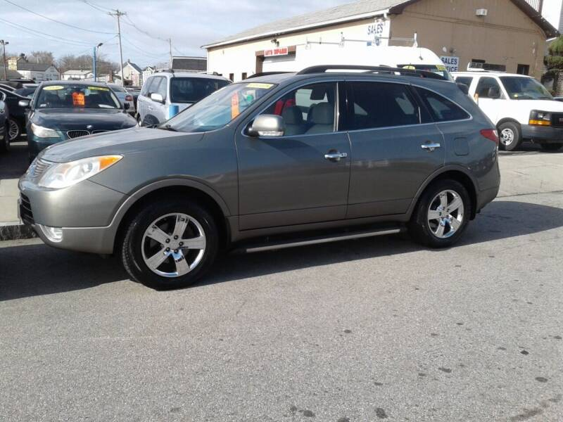 2008 Hyundai Veracruz for sale at Nelsons Auto Specialists in New Bedford MA