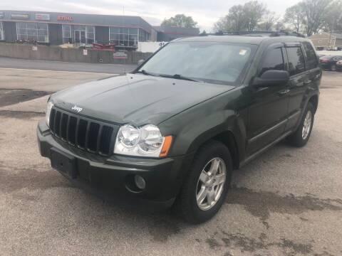 2007 Jeep Grand Cherokee for sale at CHAD AUTO SALES in Bridgeton MO