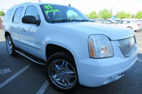 2007 GMC Yukon for sale at Choice Auto & Truck in Sacramento CA
