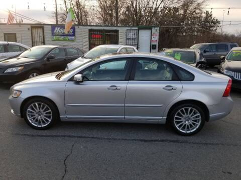 2010 Volvo S40 for sale at Howe's Auto Sales in Lowell MA