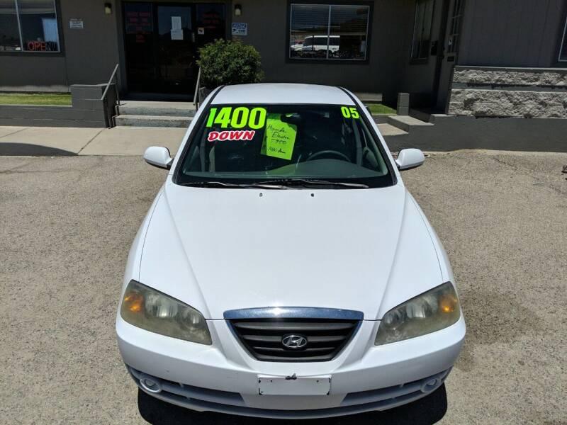 2005 Hyundai Elantra for sale at Hilltop Motors in Globe AZ