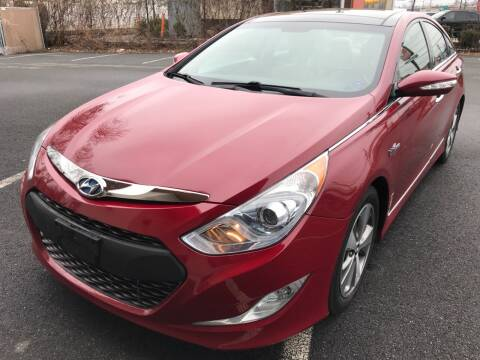 2012 Hyundai Sonata Hybrid for sale at MAGIC AUTO SALES in Little Ferry NJ