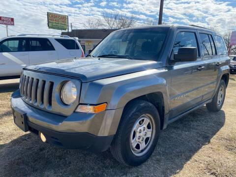 2013 Jeep Patriot for sale at Texas Select Autos LLC in Mckinney TX