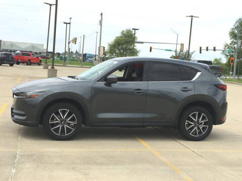 2018 Mazda CX-5 for sale at LANDMARK OF TAYLORVILLE in Taylorville IL