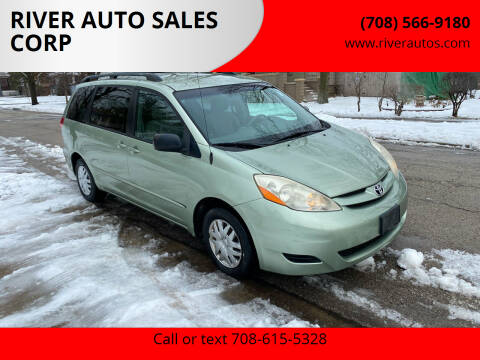 2006 Toyota Sienna for sale at RIVER AUTO SALES CORP in Maywood IL