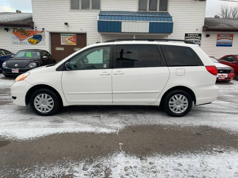 2008 Toyota Sienna for sale at Twin City Motors in Grand Forks ND