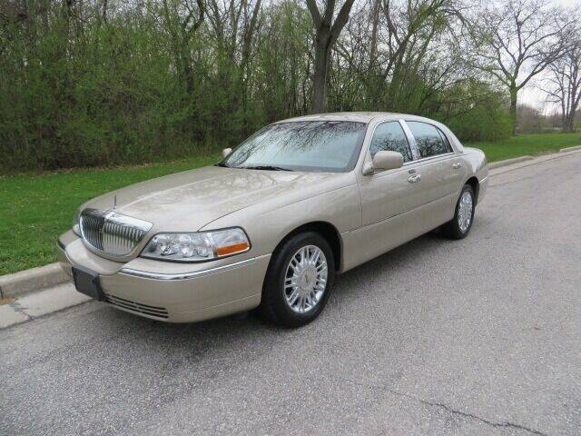 2010 Lincoln Town Car for sale at EZ Motorcars in West Allis WI