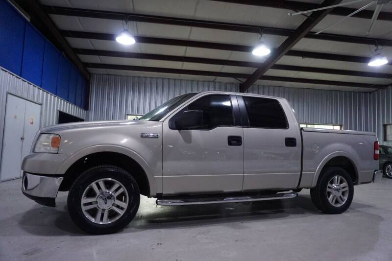 2006 Ford F-150 for sale at SOUTHWEST AUTO CENTER INC in Houston TX