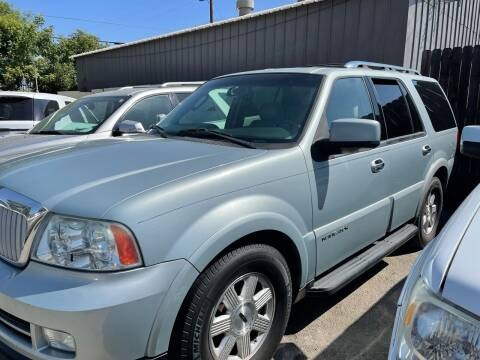 2005 Lincoln Navigator for sale at River City Auto Sales Inc in West Sacramento CA