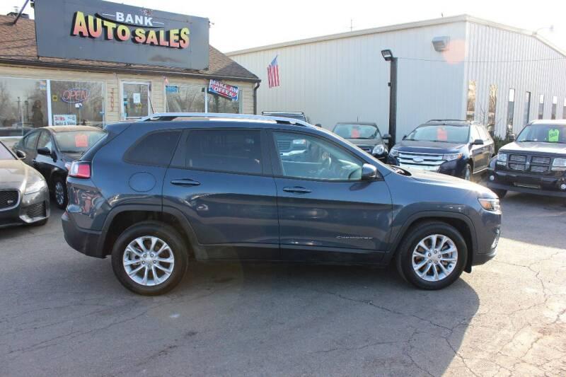 2020 Jeep Cherokee for sale at BANK AUTO SALES in Wayne MI