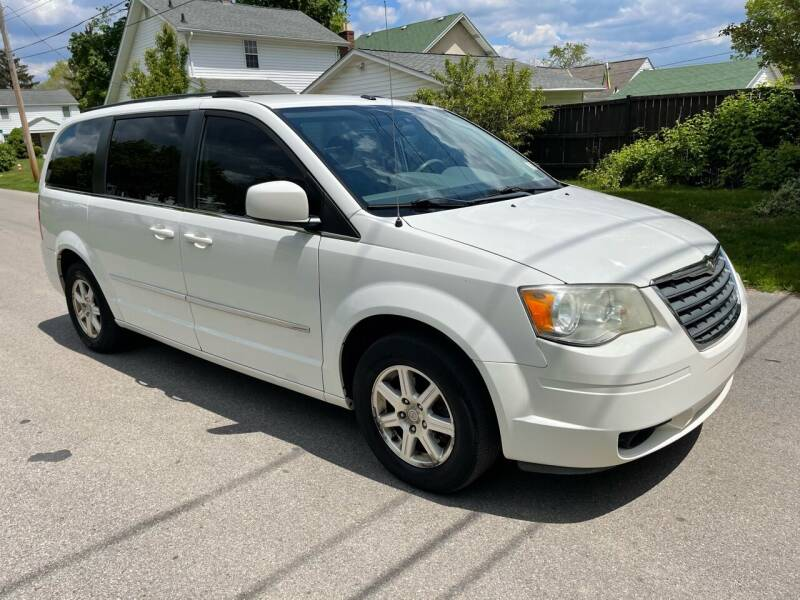 2009 Chrysler Town and Country for sale at Via Roma Auto Sales in Columbus OH