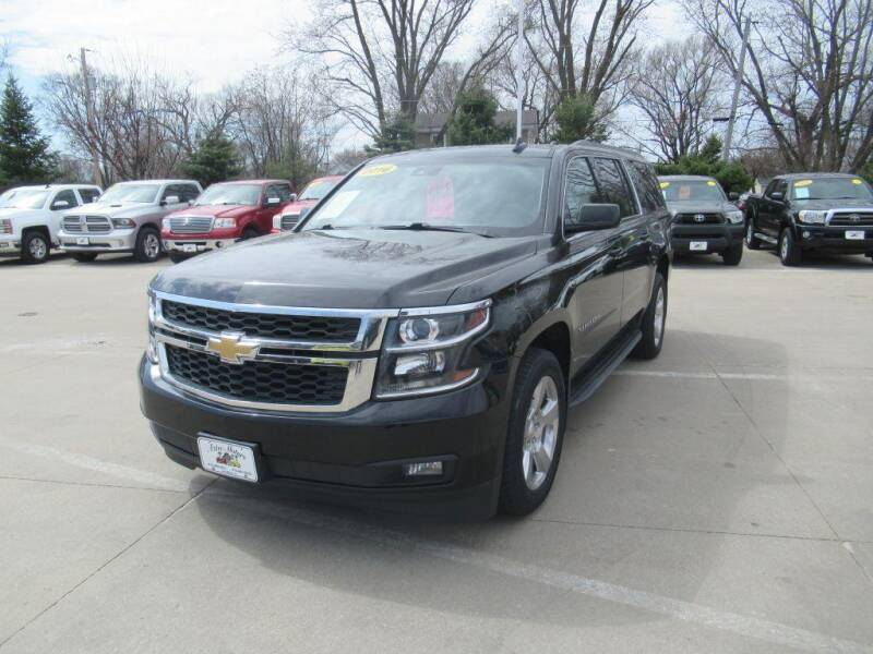 2016 Chevrolet Suburban for sale at Aztec Motors in Des Moines IA